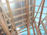 大黒柱のある地熱住宅 屋根断熱・気密工事・屋根完了